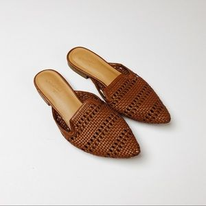 Universal Thread Whisper Woven Pointed Mule 7.5